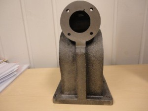 Hedensted - 4130005 - 691038(691039) - Pump housing, machined sample piece 2013.01.03 -005